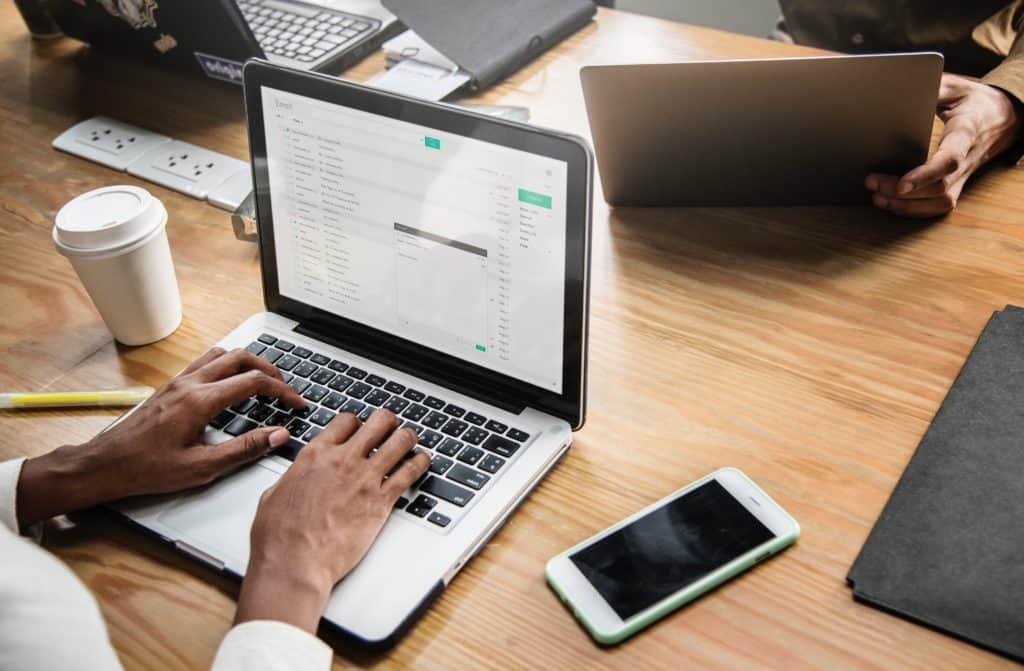 5 лучших (РЕАЛЬНО БЕСПЛАТНЫХ) решений для email маркетинга